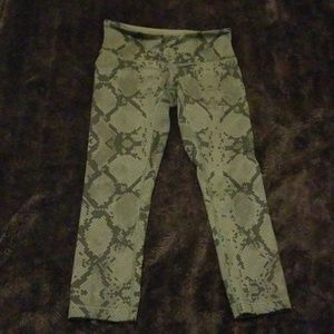 Lululemon Wunder Under Cropped III Leggings (4)